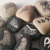 Flat inspirational engraved natural pebble stone craft wholesale for Commemorate
