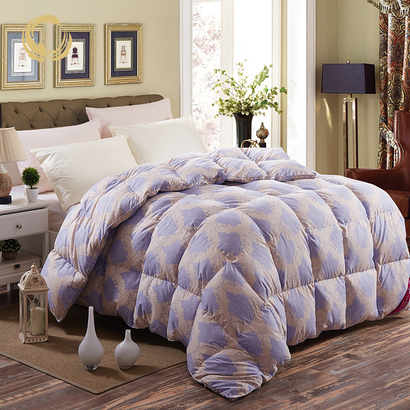 Home Textile Manufacturer Supply Queen Chinese Camel Plum Colormate Feather Velvet Quilt