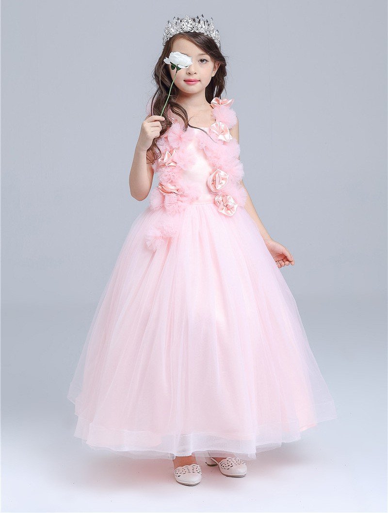 Make your little girl feel like a princess. We have got a beautiful selection of dresses for girls at Boden.