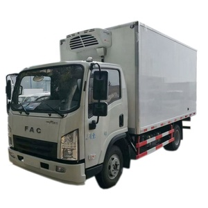 4*2 Freezer refrigerator truck/ refrigerator cooling van for sales