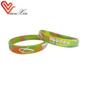 Customized rubber bracelet silicone wristband PVC charm craft Gift For Kids lianxinOEM zhongshan factory