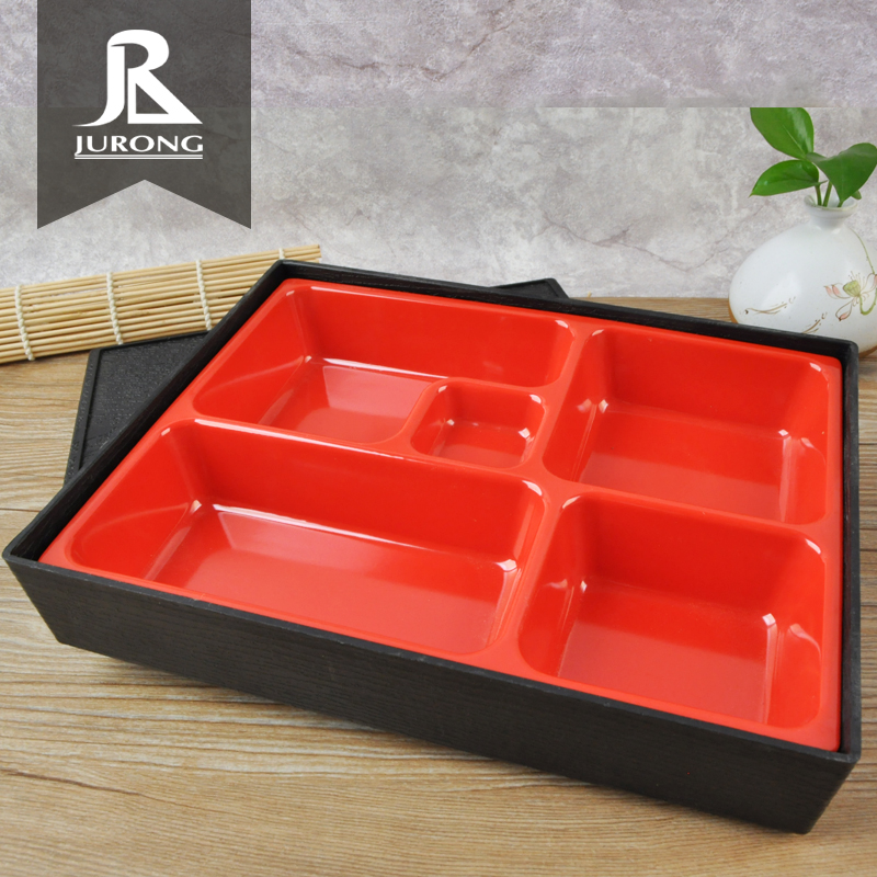 2019 Hot new products square serving with dividers plastic tray