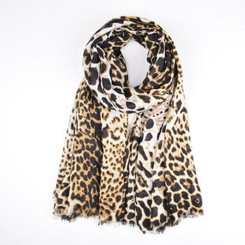 Wholesale 2019 new design long warm leopard scarf high quality super cheap cotton print ladies scarfs and stoles