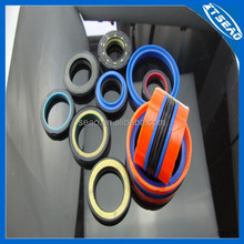 Hydraulic oil seal for good sealing function in PU