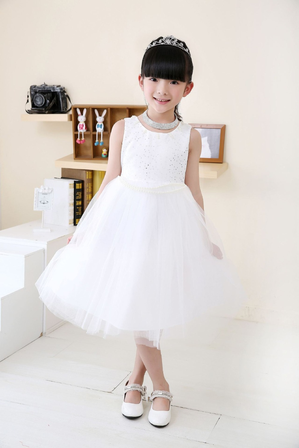 Formal Kids specializes in formal wear for children, teens and adults. We offer a large selection of discount flower girl dresses, bridesmaid dresses, pageant dresses, boys christening, boys tuxedos and suits, girls christening gowns, baptismal dresses, communion dresses, plus size dresses, infant tuxedos, children tuxedos, little boys.