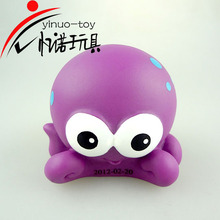 2018 squezeable Cute Bath Bathing Classic animal Rubber toy , swimming toy for kids