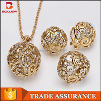 Hollow up zircon gemstone 22k gold plated snowflake necklace earrings jewelry set with chain wholesale