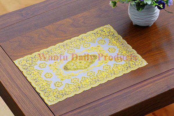 Middle East hot selling rectangle pressed gold plastic placemat