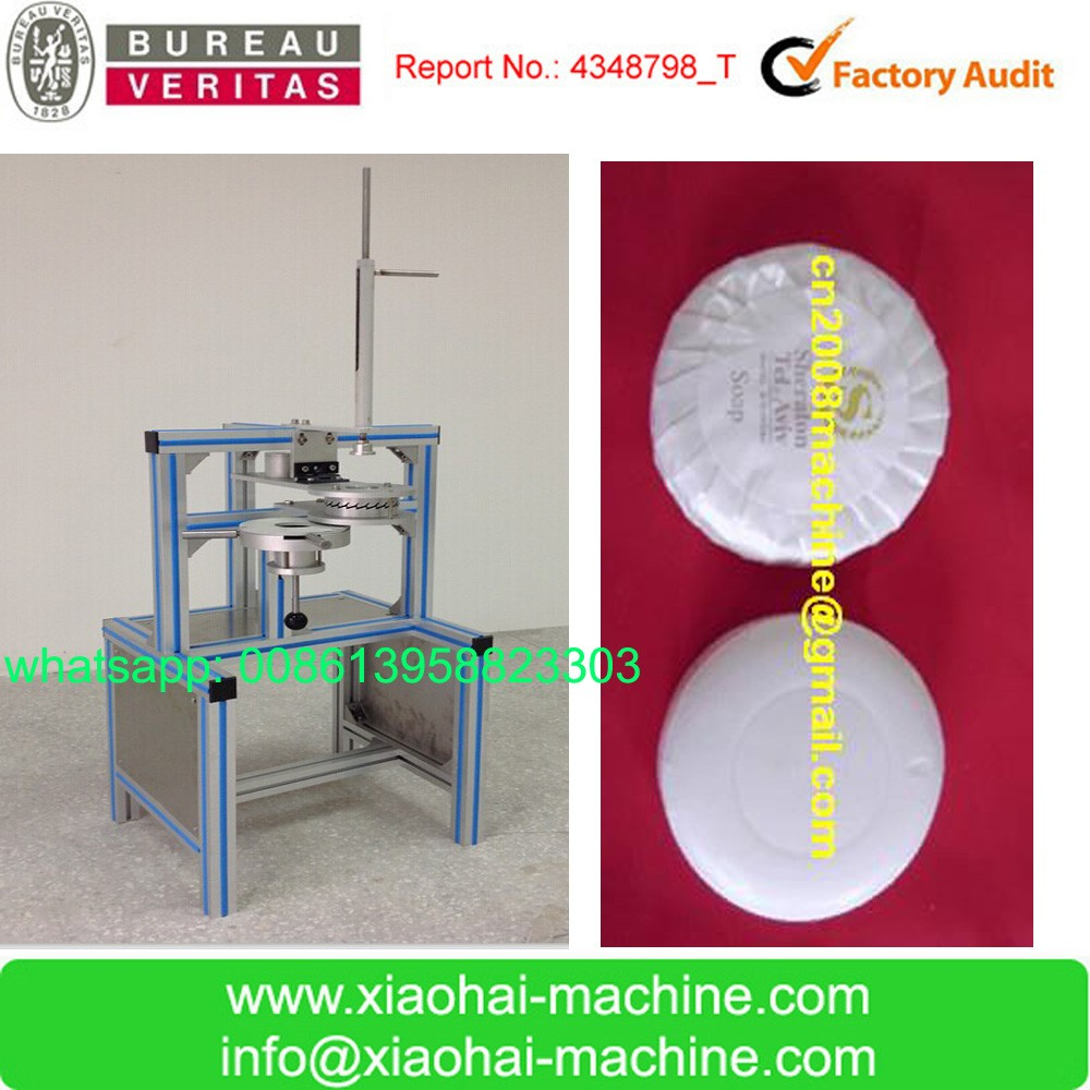 New design Manual soap wrapping machine with pleat paper and Sticker Label