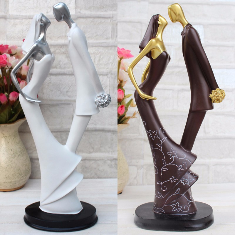 Roogo couple romantic hot kiss ornament gifts for newly married couple