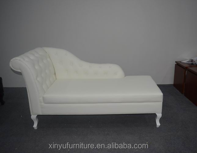 white leather lounge chaise with buttons XYN1234
