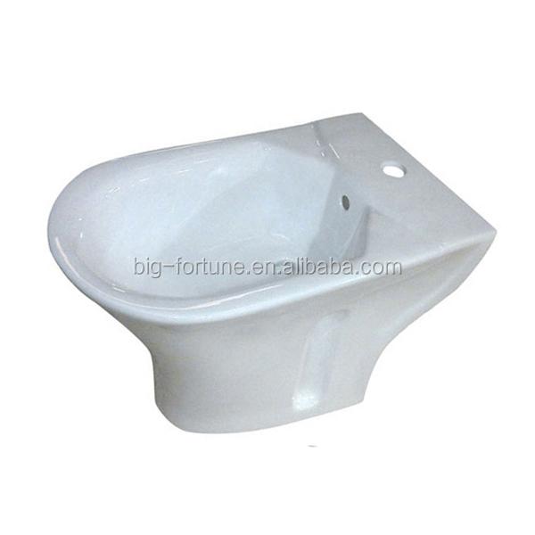 Middle East Hot Sale Ceramic Portable Toilet Seat Cover Bidet