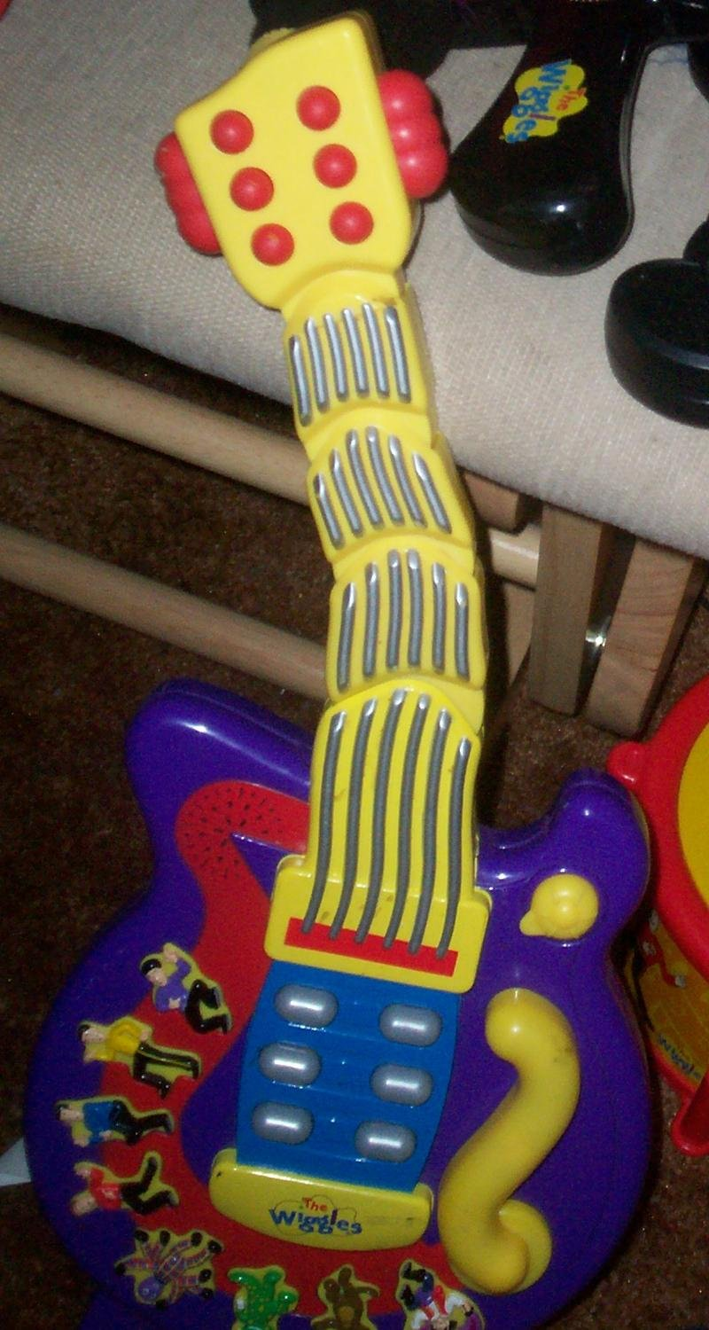 Buy The Wiggles Wiggle And Giggle Guitar Toy Wiggly Giggly Guitar In