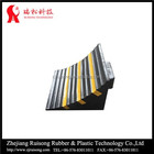 250*250*190mm rubber chock the wheels of a truck