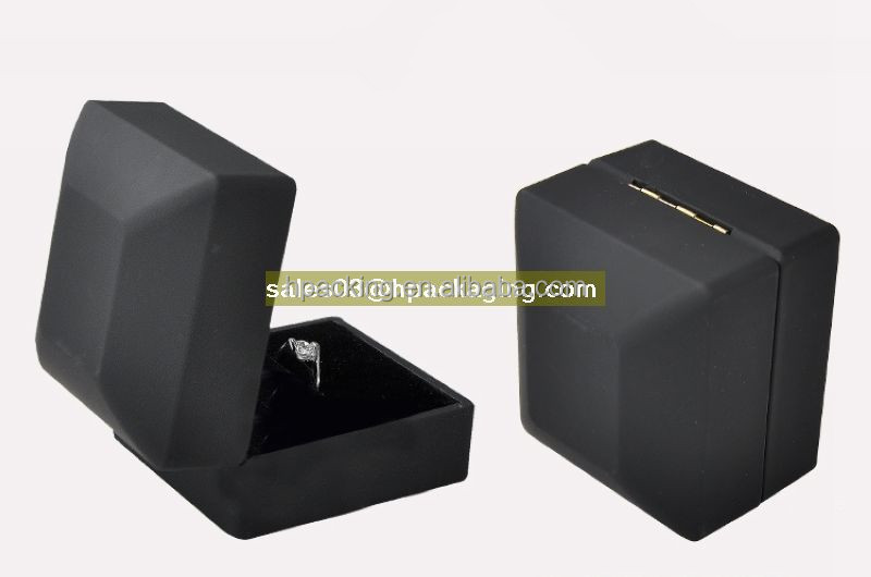 Led Plastic Jewelry Box Luxury Black Rubber Championship Ring Box with LED Light
