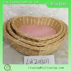 Wholesale brown color heart shape wicker pet basket for dogs