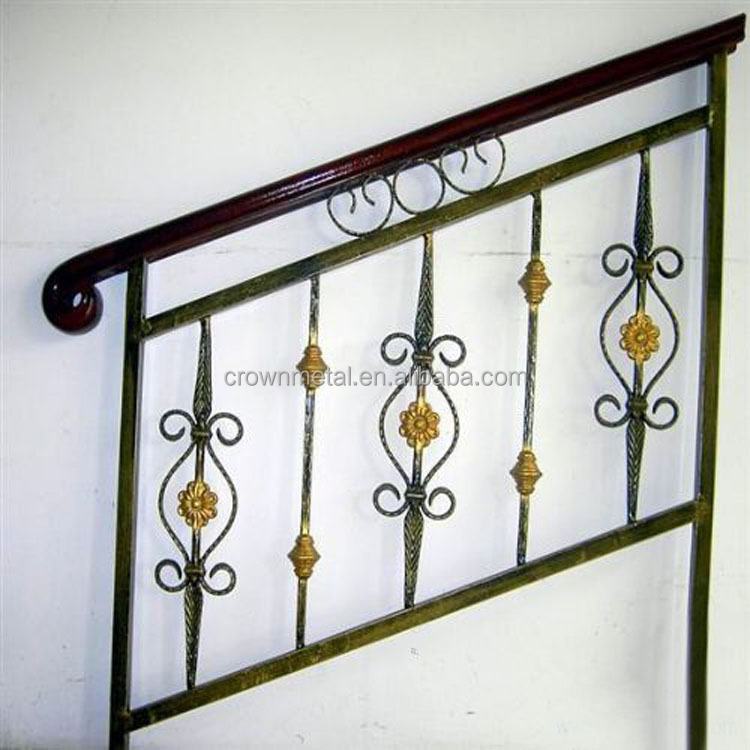 China Wrought Iron Stair Railing Parts For Outdoor Decoration