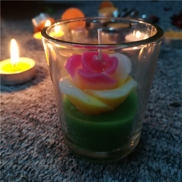 Manufacturer scented decorative flower shaped multi colored bulk candles