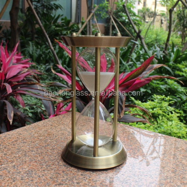 Unique souvenirs China antique brass hourglass for wedding with natural sand