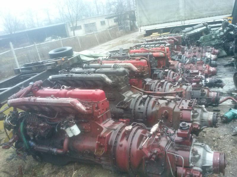 Renault Magnum Major 385 420 + B18 8 Engines