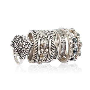 Latest trending design jewelry set antique design acrylic engraved men silver ring set wholesale 2018
