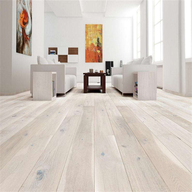 Wide Plank Oak Engineered Flooring