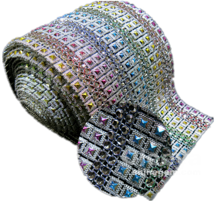 Factory direct sale flexible plastic mesh 10 yards/roll colorful studs plastic rhinestone mesh trimming for clothes