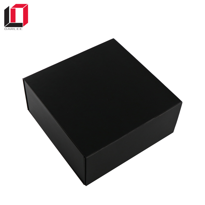 Custom plain black magnetic closure folding cardboard box for hat packaging
