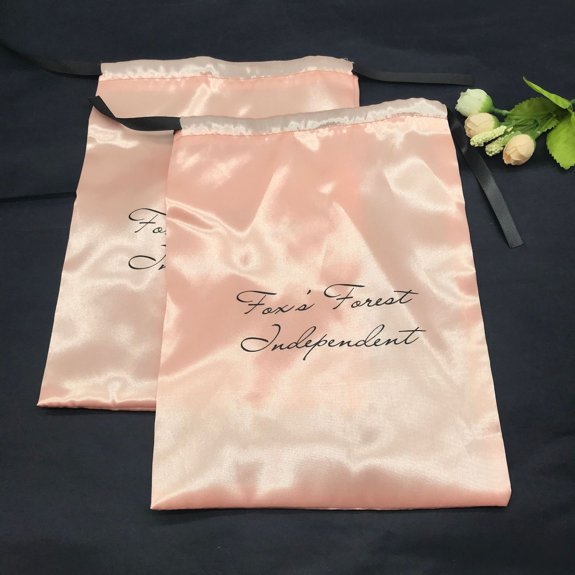 High-end cosmetics bag receive color butyl cloth silk underwear, pajamas packing bouquet of pocket