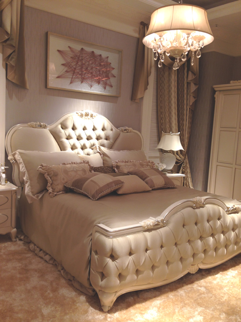 Franch Style Classic Design Royal Wood Carved Bedroom