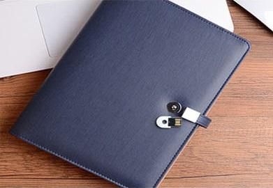 16 ปีผู้ผลิตคุณภาพสูงฟรีตัวอย่างโลโก้ที่กำหนดเอง PU หนัง USB Diary Notebook Powerbank