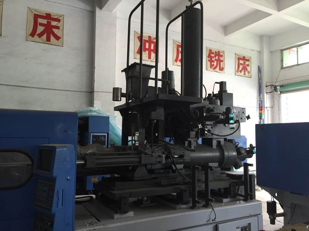 Used Automatic Plastic Fork Knife Spoon Making Machine injection molding machine