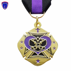 Wholesale custom souvenir gift soft enamel engraved heart metal medals made in China