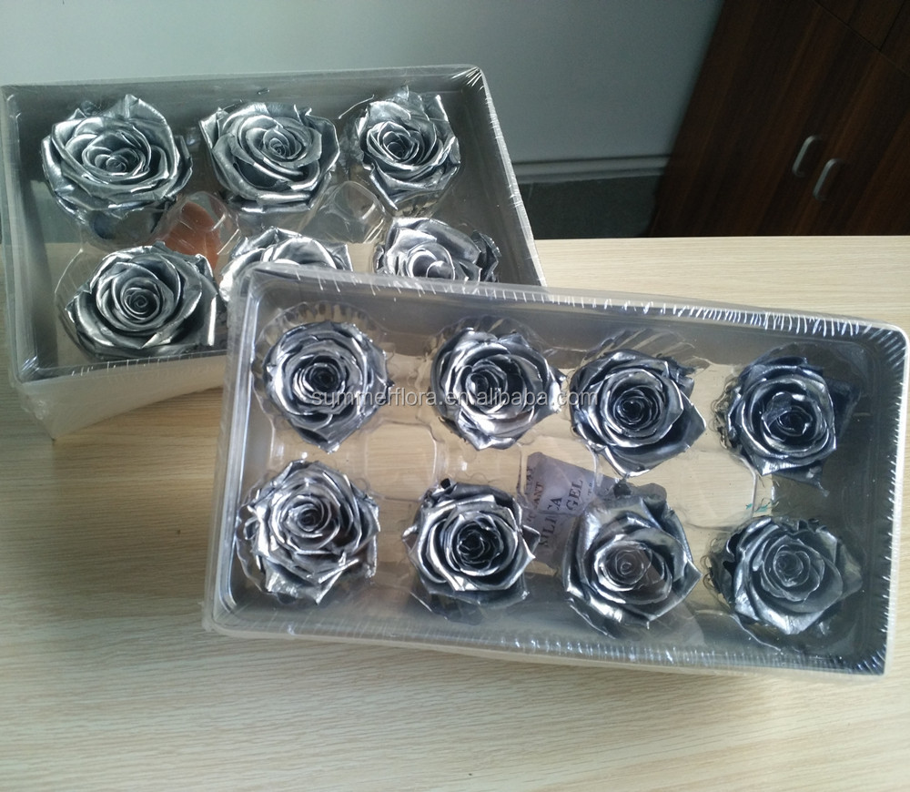 preserved roses to florist making the flower box