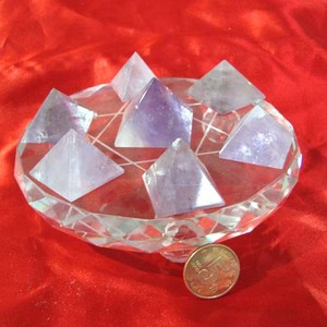 Healing crystal pyramid for sound therapy