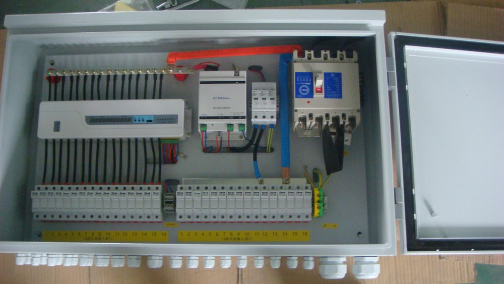 hot sale china u0026 39 s pv array combiner box for dc circuit