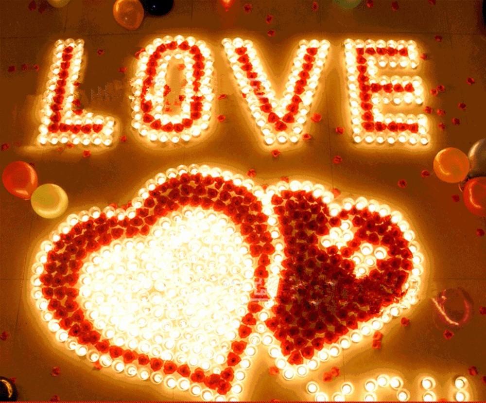 ширину картинки с сердцами и признаниями в любви добавил, что