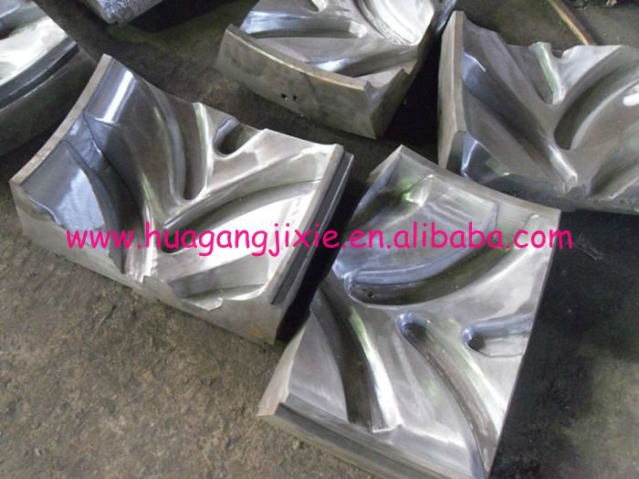 tire retreading mold