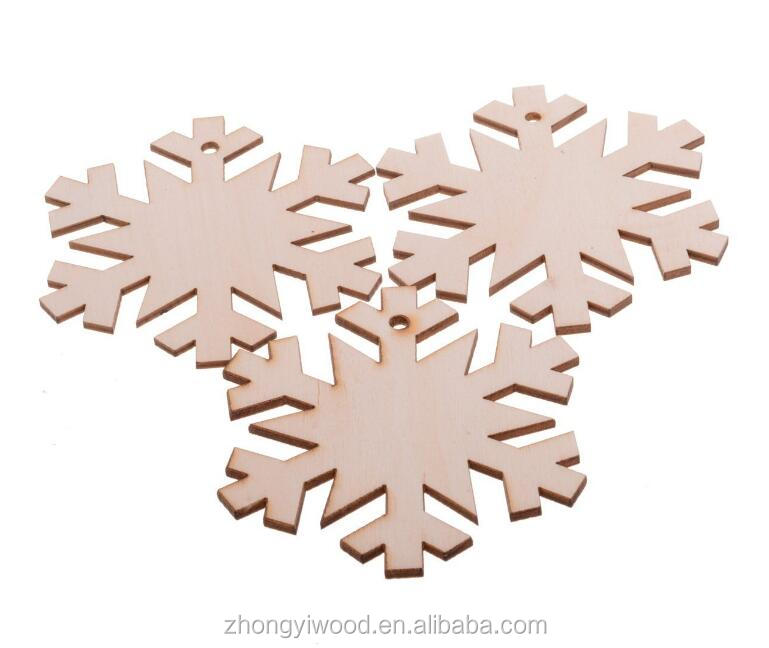 FSC BSCI SA8000 personalized Christmas Tree Ornaments Wooden Hanging Snowflake Xmas Decorations