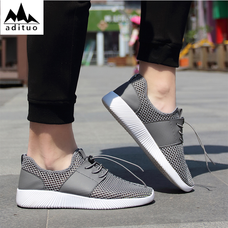 Wholesale Comfortable Lightweight Sports Jogging Shoes