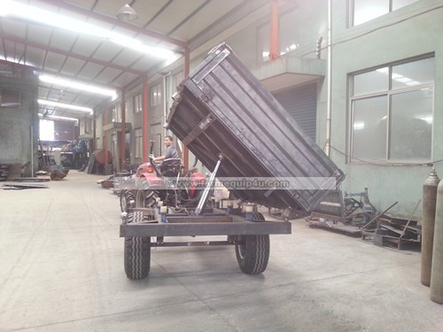 Tractor hydraulic tipping trailer; agriculture tractor trailer with three sides tipping
