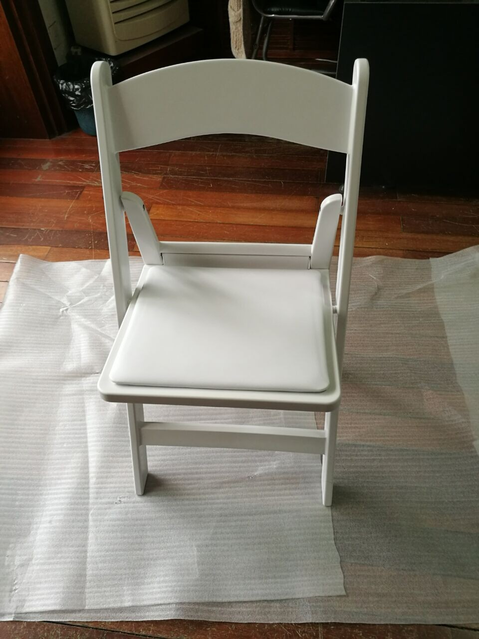 High quality low price wedding used white padded resin for Good quality folding chairs