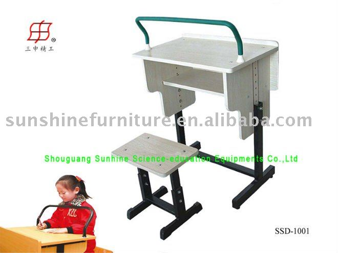 school children desk and chair defence near sighted
