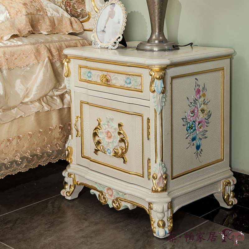 Mobili di lusso on line design casa creativa e mobili for Mobili antichi francesi
