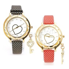 38mm charm bracelet Women Wrist Watch with PU and zinc alloy dial plated for sale
