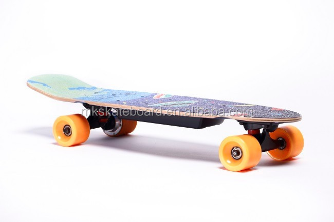 2017 cheapest price 4 wheels hub motor small size 150W electric skateboard for kids