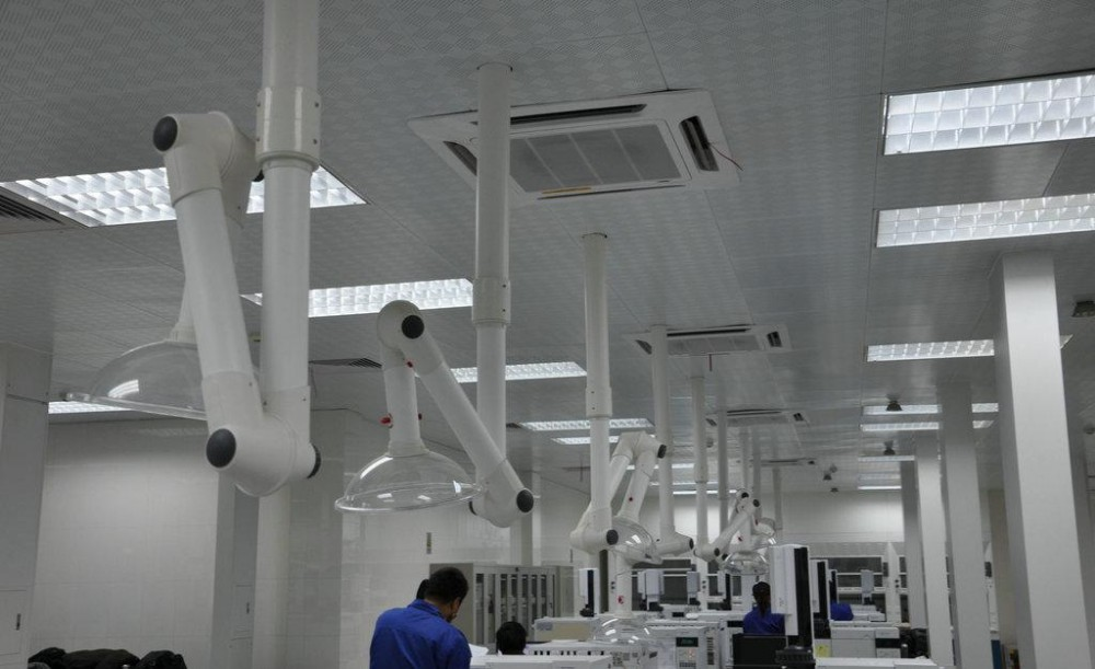 3 Joint Ceiling Mounted / Wall Mounted Fume Extractor