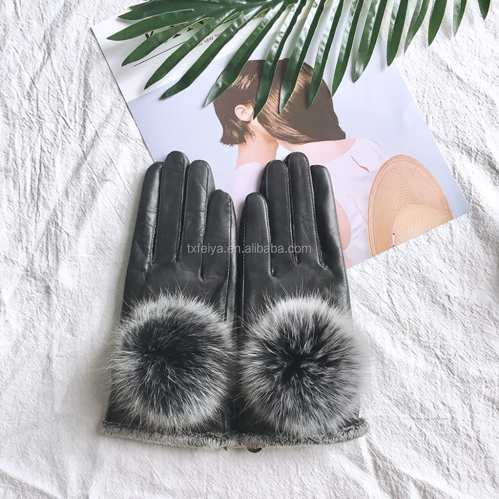 2017 Accessories Girls Luxury Real Leather Gloves with Fox Fur Pom Pom