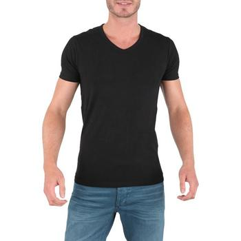 Today we're really focusing in on solid black T-shirts, the kind that feel perfectly worn-in from the day you buy it to the day you lay it to rest (RIP).