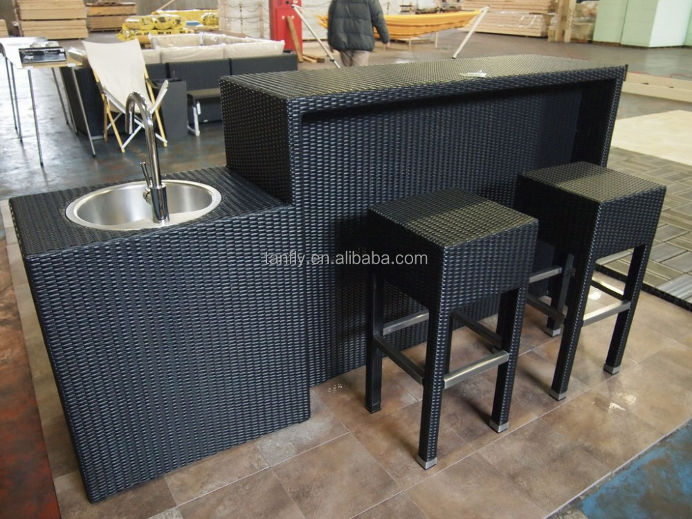 meubles en rotin ext rieur tabourets de bar et set de. Black Bedroom Furniture Sets. Home Design Ideas